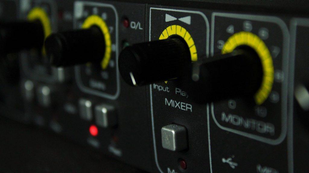 TECNOLOGÍA: LOS MEDIOS DE PRODUCCIÓN MUSICAL